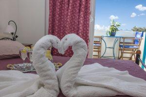 Hotel PetraNera_Perissa_Santorini